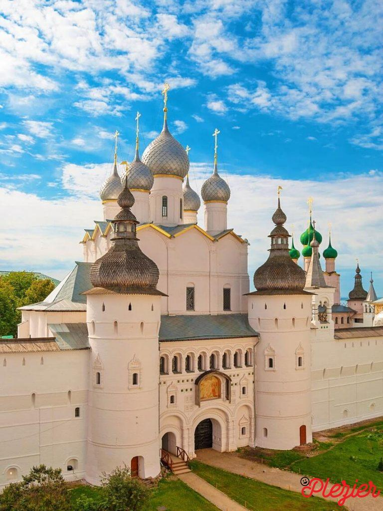 Moscow Travel Guide: Four Mighty Daily Travel Routes